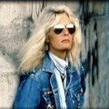 Kim Carnes - I'll Be There Where The Heart Is